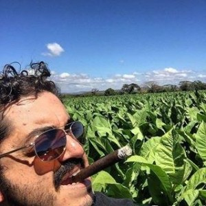 Juan Cancel smoking Espinosa Especial