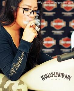 Joana Cigar Swagger
